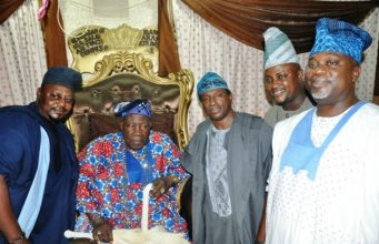 L-R: Hon Yinka Adeniyi, Olubadan of Ibadanland, Oba Saliu Adetunji, Senator Olufemi Lanlehin, Hon Yinka Omikunle and Alhaji Kunle Busari during the visit...