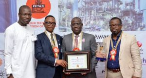 General Manager External Relations, The Shell Petroleum Development Company of Nigeria Limited, Igo Weli; President, Petroleum Technologies Association of Nigeria (PETAN), Bank Anthony Okoroafor; Managing Director, Shell Nigeria Exploration and Production Company (SNEPCo), Bayo Ojulari; and SNEPCo's Nigerian Content Manager, Austin Uzoka, at the PETAN Awards Ceremony in Lagos...